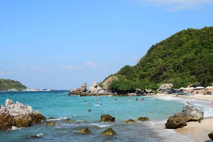 เกาะล้านมีกี่หาด