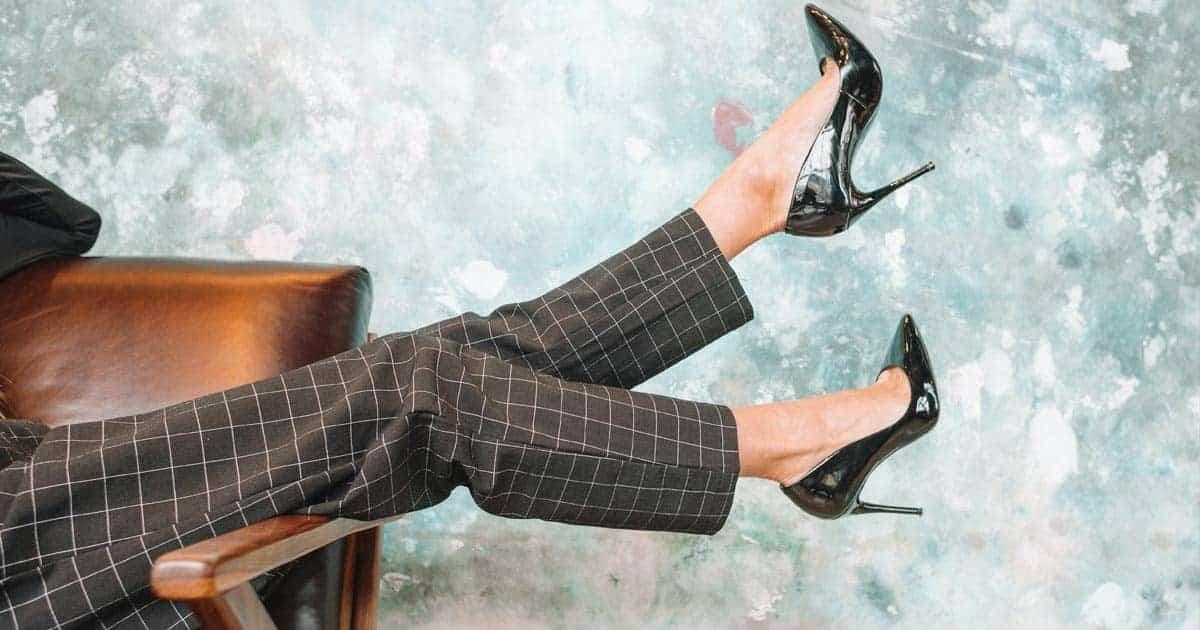 รองเท้าส้นสูงรัดส้น, รองเท้าส้นสูงรัดข้อ