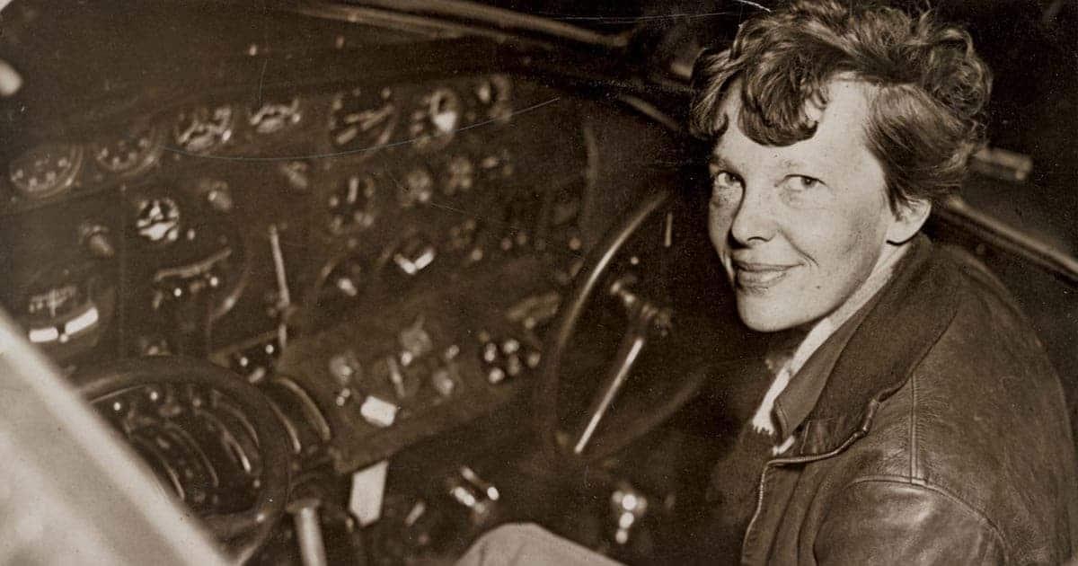 Amelia Earhart คือใคร, นักบินหญิงคนแรก