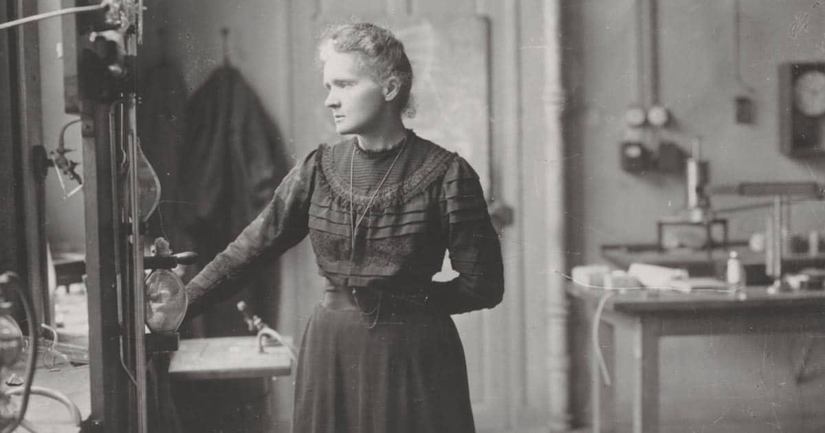 Marie Curie นักวิทยาศาสตร์รางวัลโนเบลผู้อุทิศตัวเพื่อการทำงานด้านวิทยาศาสตร์