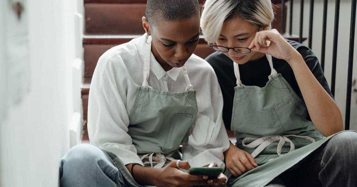 แอพพลิเคชั่นโทรศัพท์มือถือ, อ่านหนังสือออนไลน์ฟรี