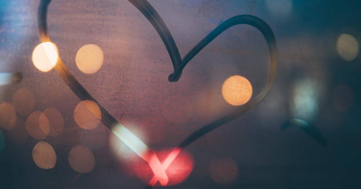 รวมเพลงเกี่ยวกับแอบชอบ ให้เสียงเพลงเป็นสะพานให้ความรักก่อตัว