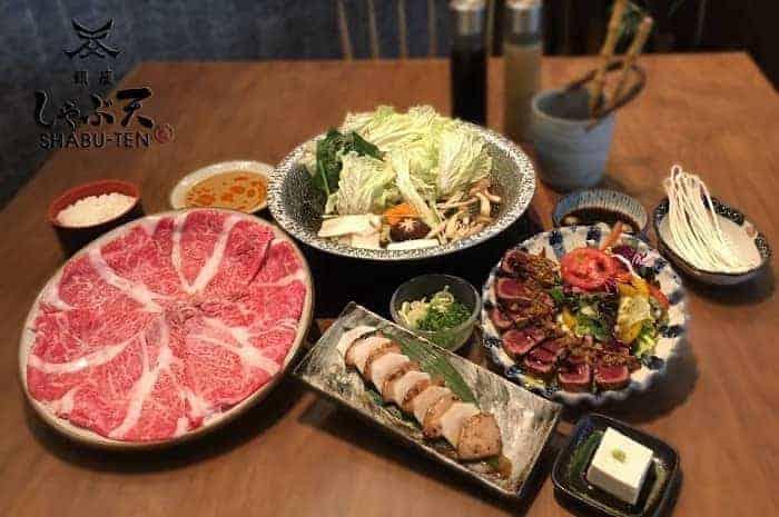 ร้านอาหารญี่ปุ่นพร้อมพงษ์