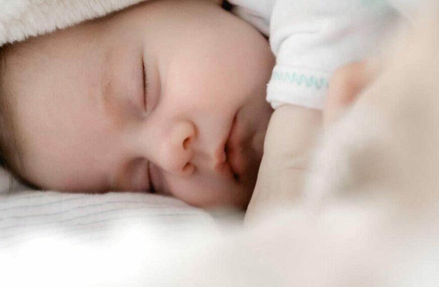 คุณแม่ต้องรู้ ทารกนอนกี่ชั่วโมงถึงจะพอดี ?