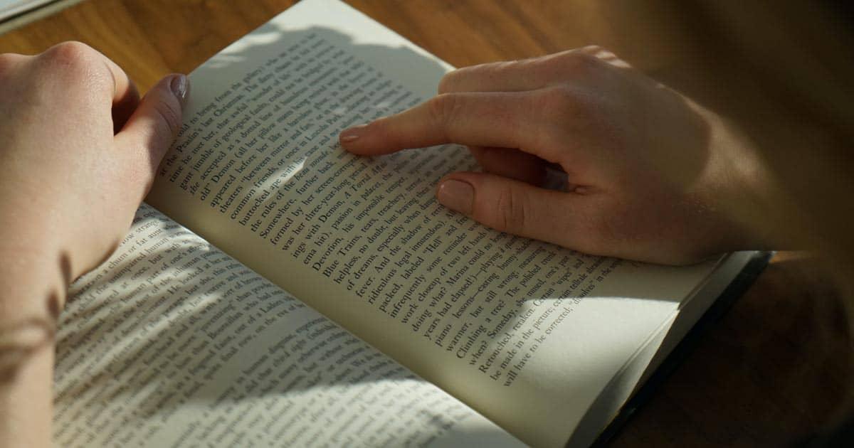 รวมหนังสือฝึกอ่านภาษาอังกฤษ สำหรับสายอยากอัปสกิลอิงลิชให้เก่งขึ้น !